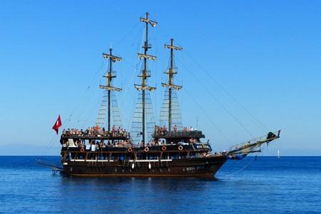 Side Korsan Tekne Turu