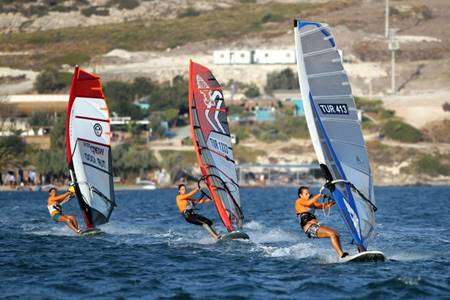 Foça Rüzgar Sörfü